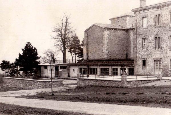 (1960) Bar